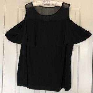 🧚🏼♂️INC🧚🏼♂️ Cold shoulder blouse